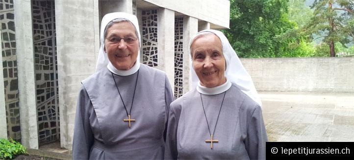 Les deux Soeurs prévôtoises : Soeur Françoise-Romaine (à gauche) et sa colocataire  Soeur Marie-Germain (à droite).