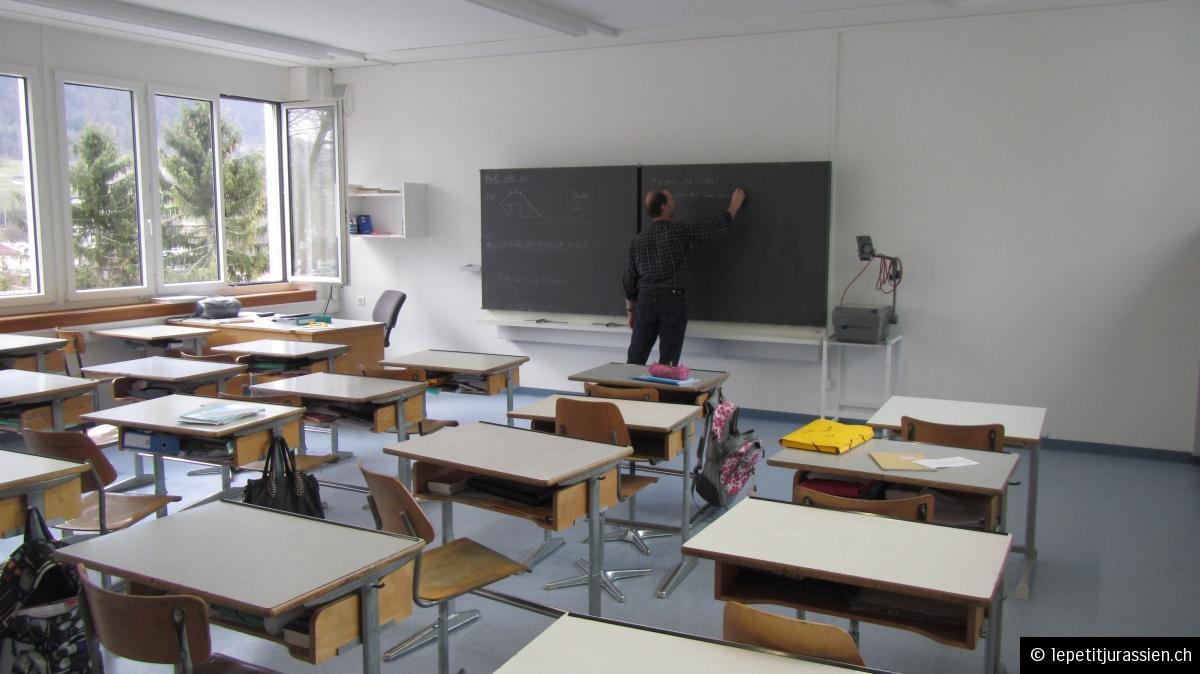 L'enseignant prépare sa leçon - Classe 10.1 3 mars 2014